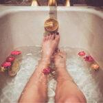 Como cuidar dos pés em casa